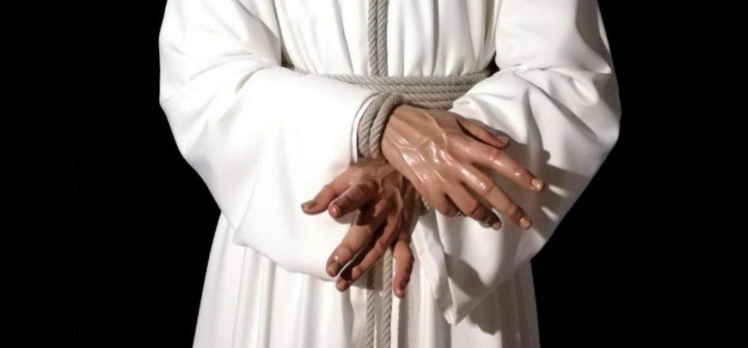 Manos de Nuestro Padre Jesús Cautivo y Rescatado, una talla de Adrián Lema Gómez.