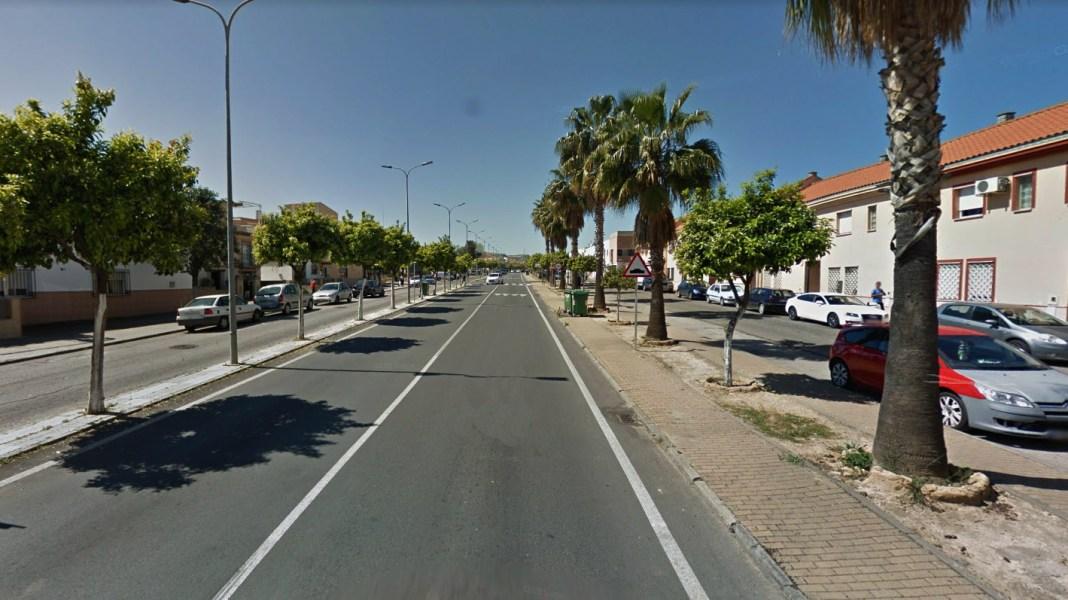 Avenida Virgen del Rocío de Santiponce.