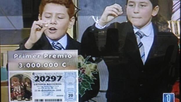 Imagen de Televisión del Gordo de 2006, la primera vez que tocó en el Aljarafe.
