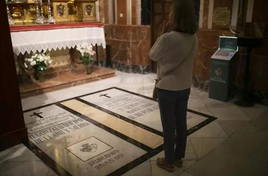 Imágenes de recurso de la tumba del general franquista Queipo de Llano y Sierra en la Basílica de la Macarena. Europa Press