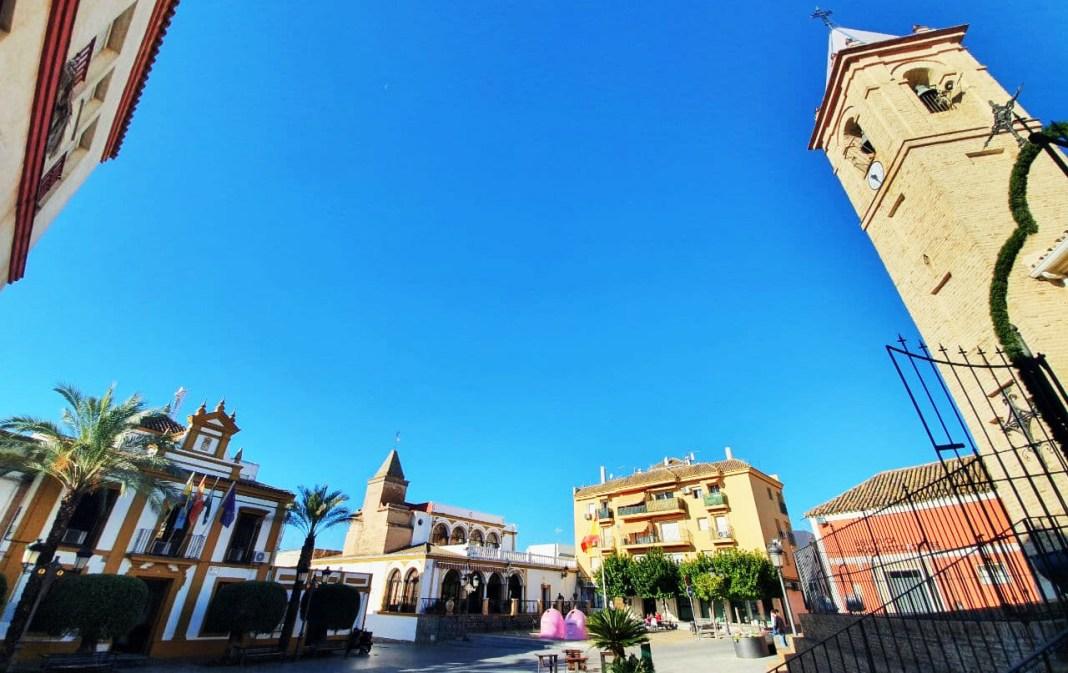 Plaza de España de Gines. Foto de Aljarafe Digital.
