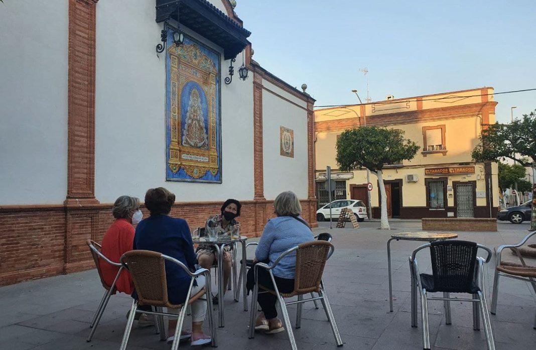 Velador en la Plaza del Rocío de Coria del Río. Aljarafe Digital.