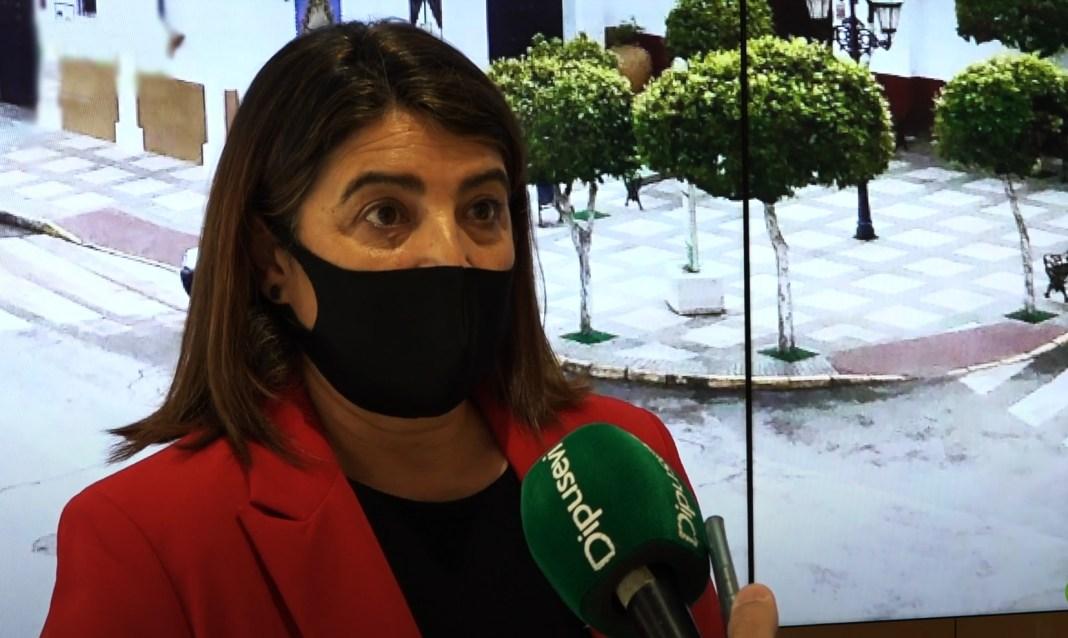 La alcaldesa de Almensilla, Agripina Cabello.