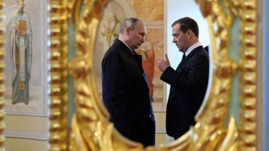 Photo of بوتين ينصب رئيسا لولاية رابعة ويعين مدفيديف رئيسا للوزراء