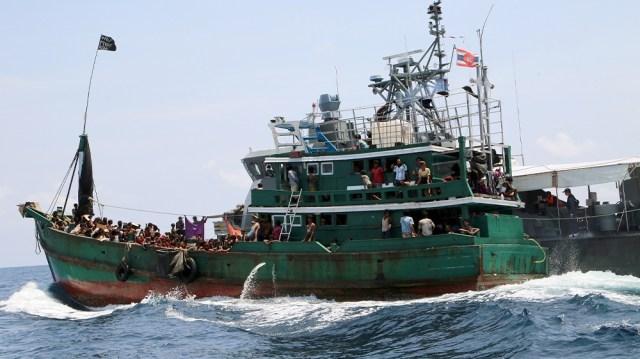 Myanmar smuggler boat