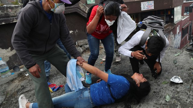 Ecuador protests - women