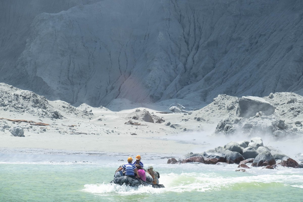 In Pictures White Island Volcano Erupts In New Zealand