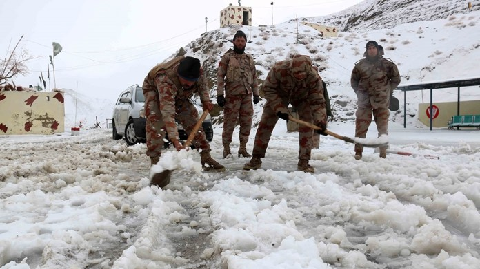 Food Pakistani paramilitary soldiers remove snow from roads near the Afghan border in Chaman, Pakistan, 12 January 2020. Reports state that many cities in Pakistan are experiencing unusual cold weather con