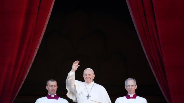 Pope Francis delivers the Christmas Day