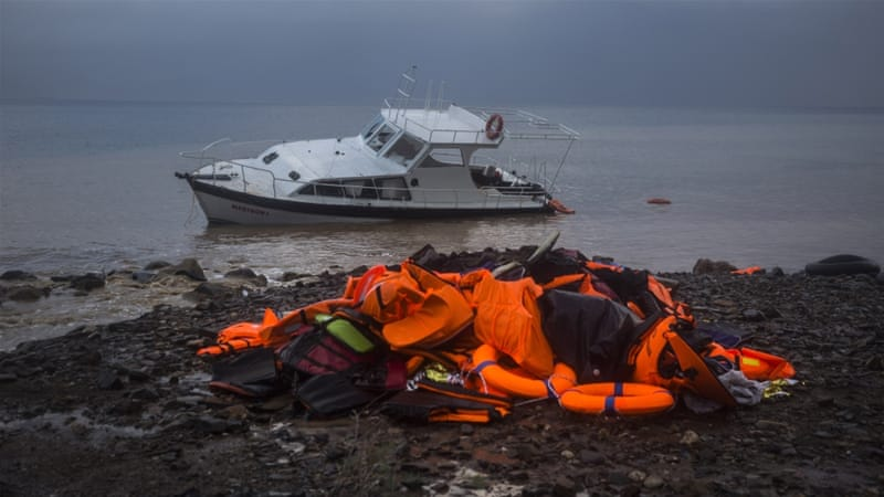 More than 4,700 people arrived on the Greek islands on average each day in November [AP Photo/Santi Palacios]