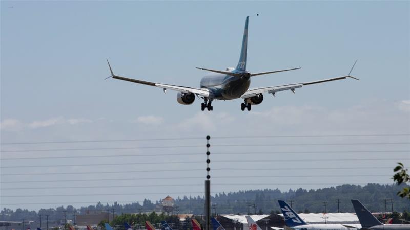 検査官は、駐車していた飛行機での単一エンジンのシャットダウンに関する最近の4つの報告に続いて、737 NGおよびClassic航空機を保管場所から搬出したときに、エアチェックバルブの損傷を発見しました[ファイル:Karen Ducey / Reuters]