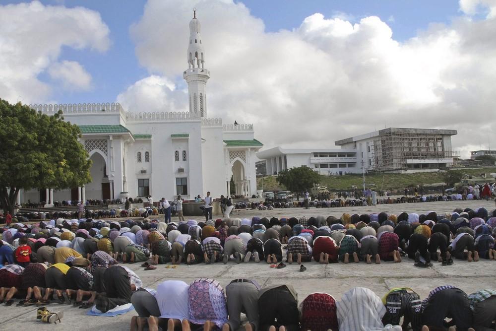 Pictures Eid Al Fitr Prayers And Celebrations Al Jazeera