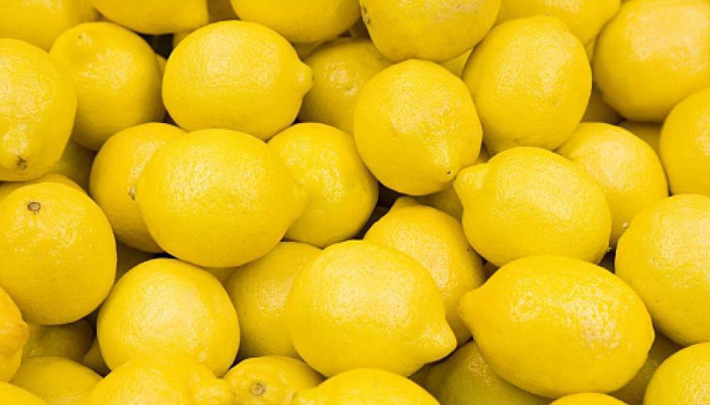 El limón, ácido pero alcalino.