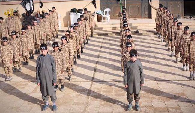 """أول مدرسة لتعليم أطفال """"داعش"""" القتل والتكفير"""