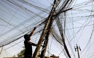 بعد صرف نحــو 27 مليار دولار عليها، مازالت الكهرباء مشكلة العراق المستعصية