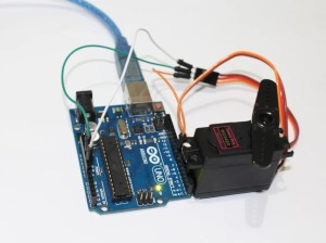 Servo Control with Arduino Through MATLAB