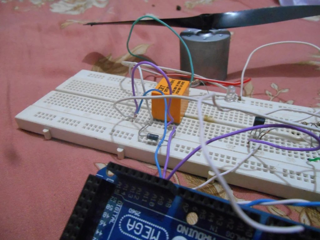 How To Use Relays To Control High Voltage Circuits With An