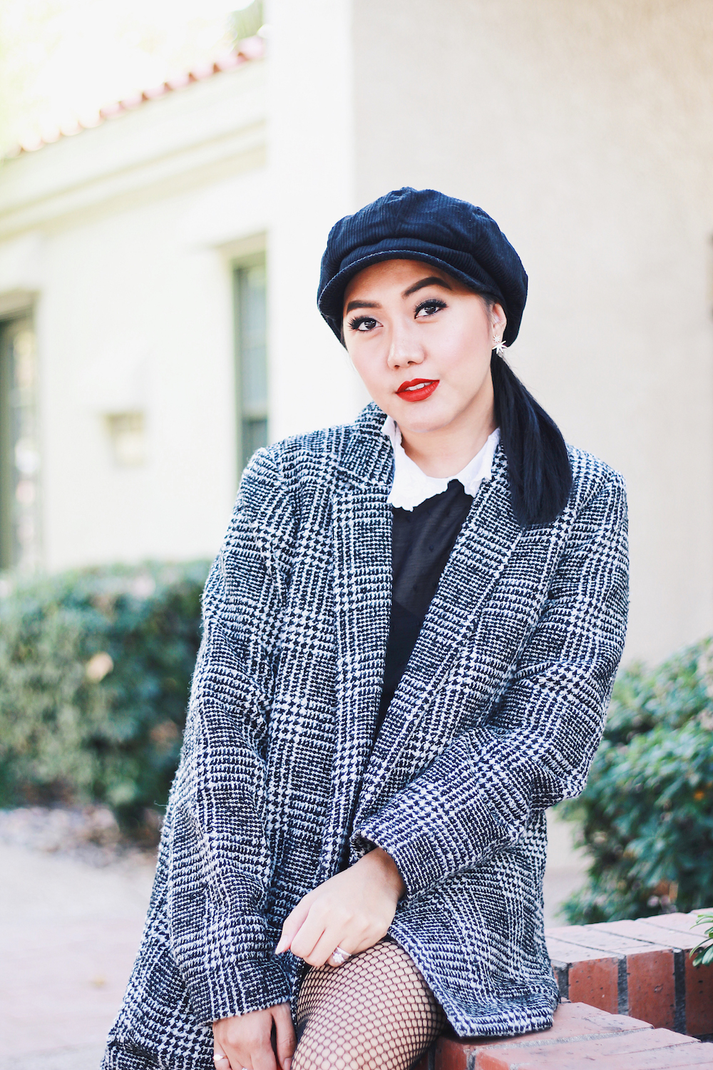 Last-Minute-Holiday-Outfit-Idea-Black-Dress-Tweed-Jacket