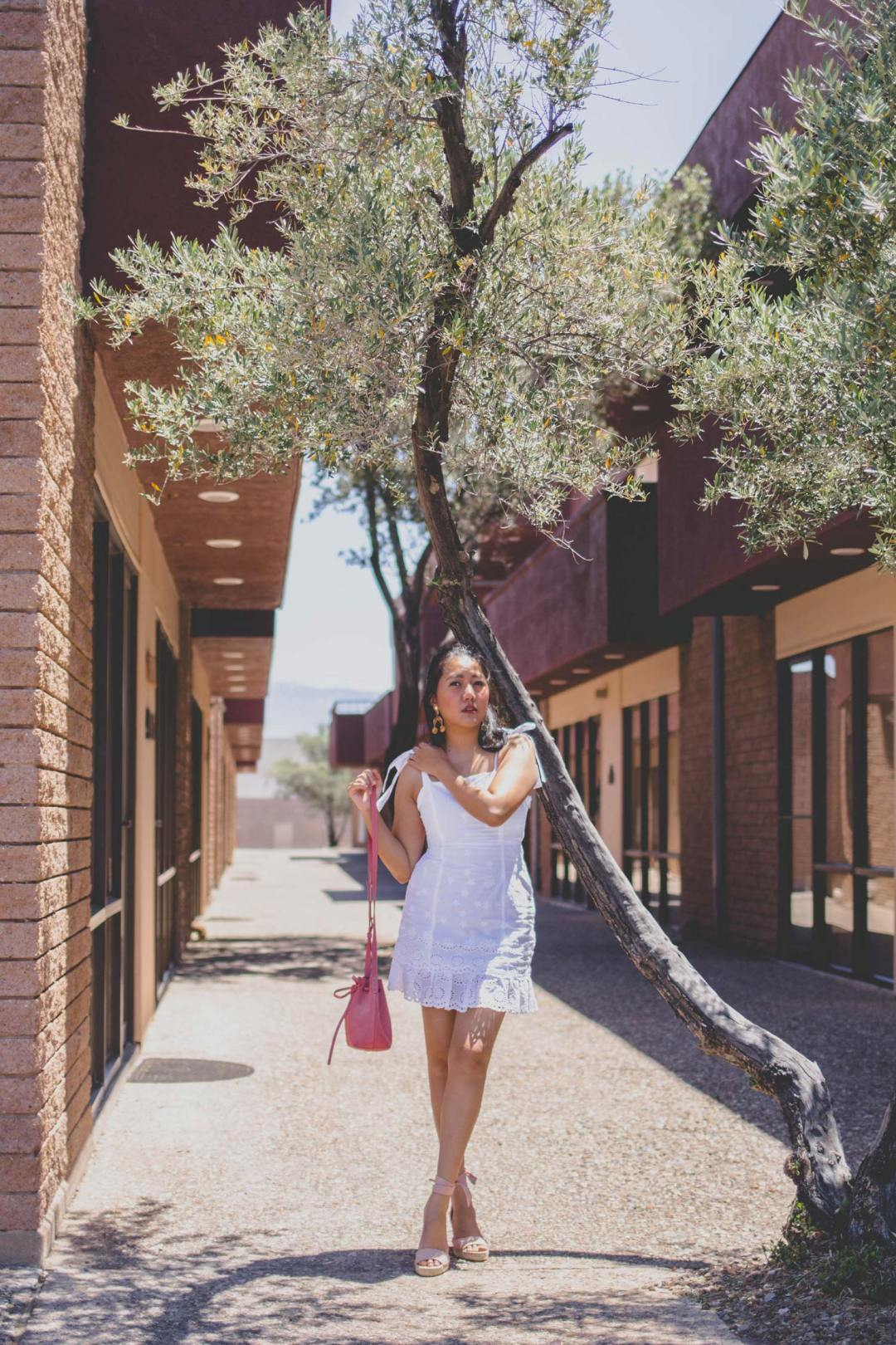 Fashion Style Blogger Molly Larsen White-lace-eyelet-spring-summer-dress-allaboutgoodvibes.com-IG-@thevibescloset