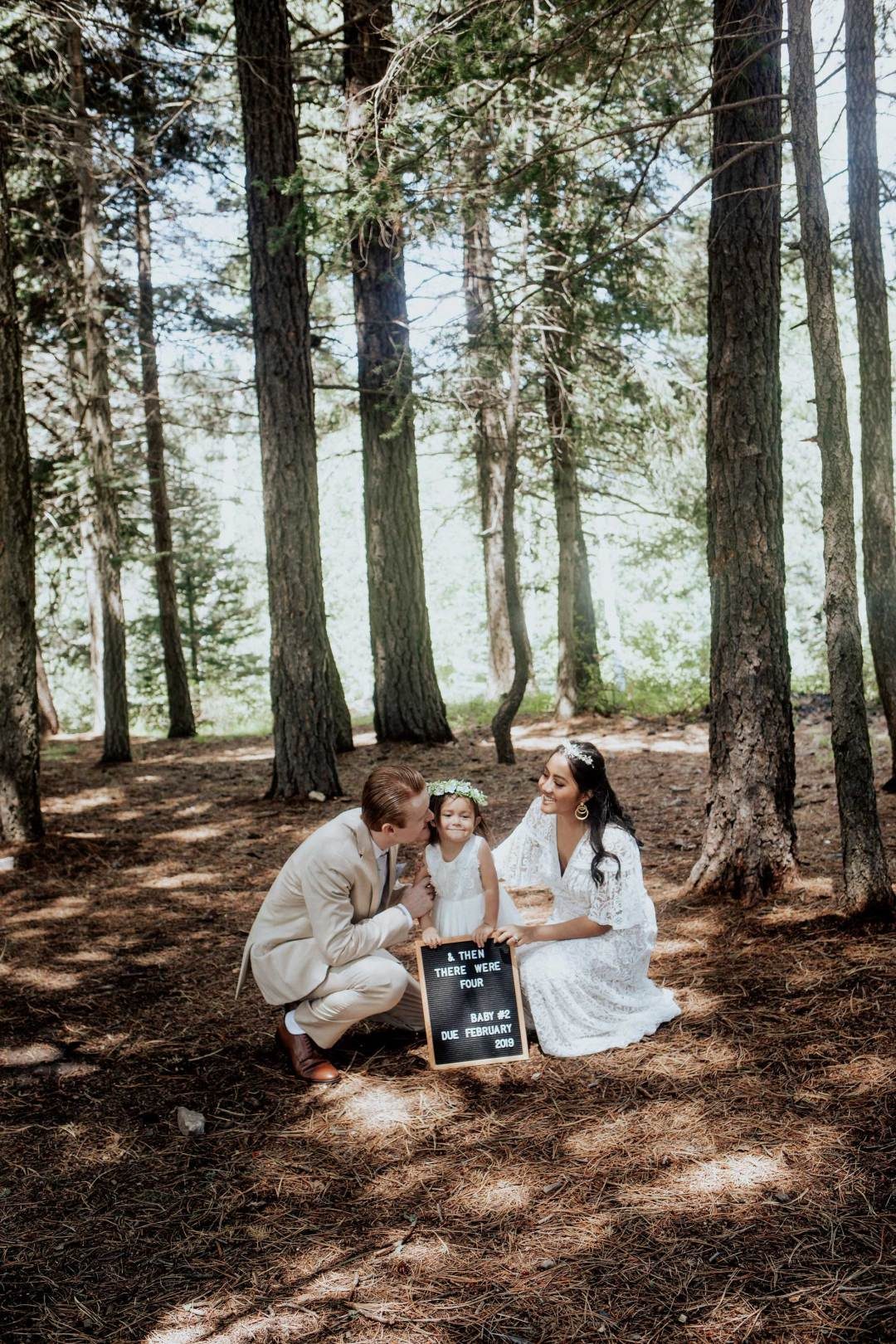 Pregnancy Announcement Baby Number 2_TheVibesCloset_Molly Larsen_Style Blogger_mom Blogger_Beauty Blogger_family picture_10
