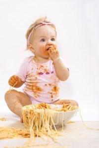 Kleine Dame beim Essen :-))