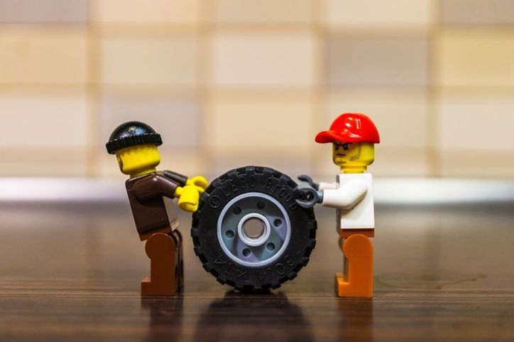 Lego pushing wheel