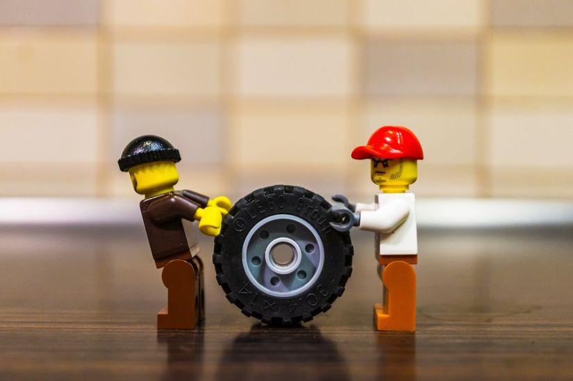 Lego pushing wheel