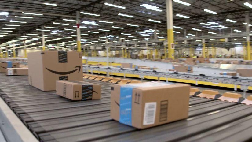 Amazon Fulfillment Conveyor Belt