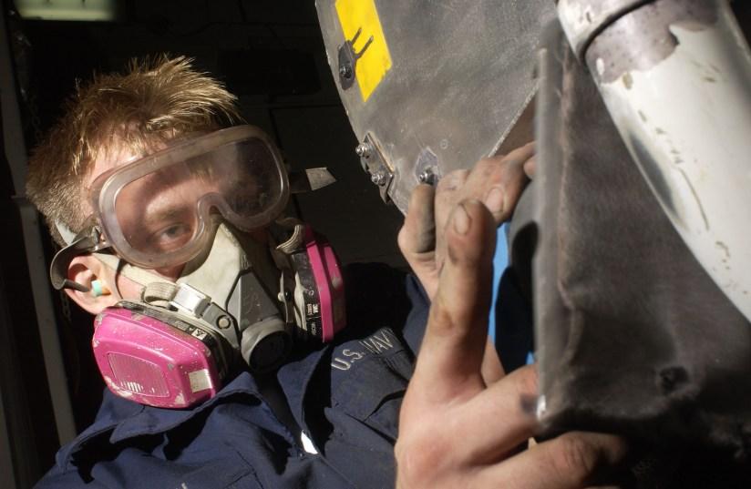 Reusable half face mask respirator