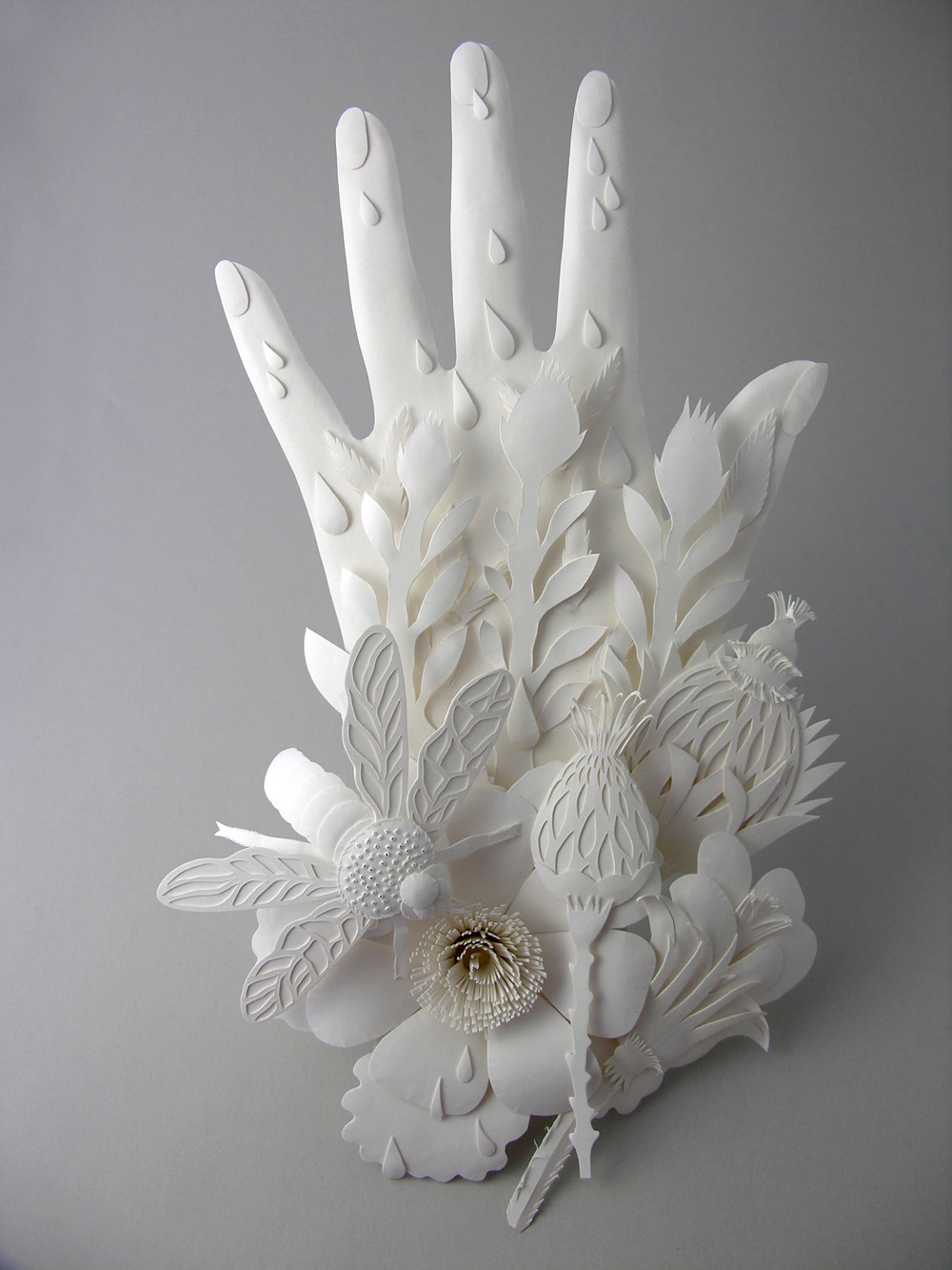 Hand. Paper sculpture by Elsa Mora