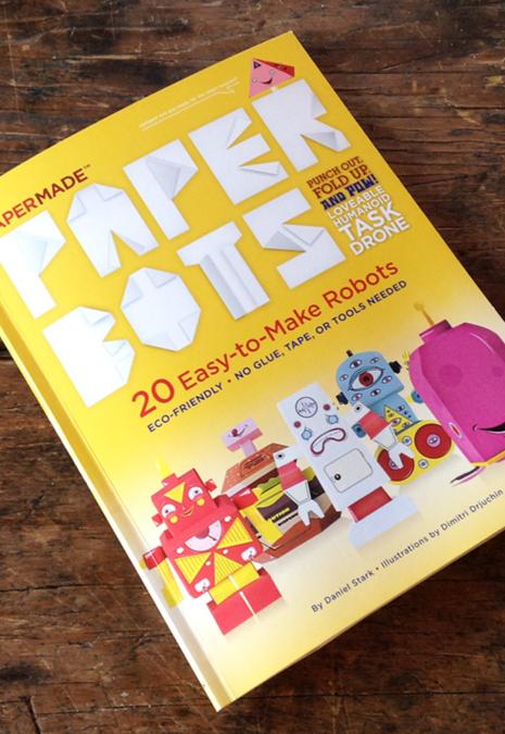 Paper Robots. 20 Easy-to-Make Robots. A Fun Book.