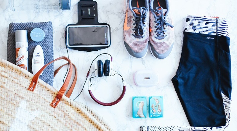 10 Things Every Woman Should Have In Her Workout Bag