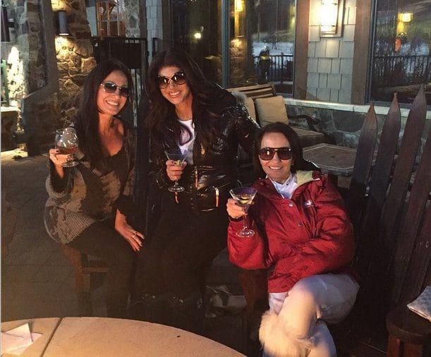 teresa-giudice-ski-nicole-twins-teresa-aprea
