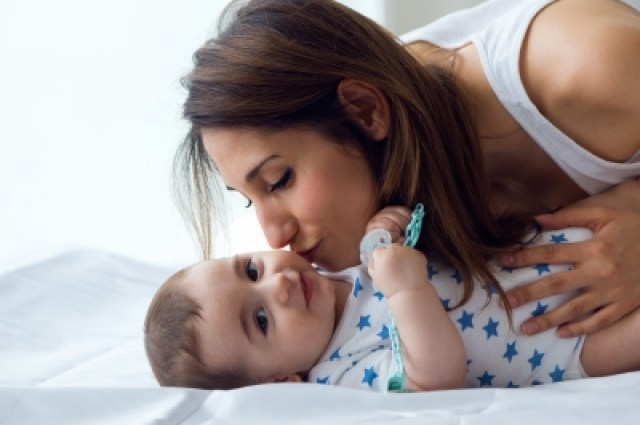 Mother with baby/freedigitalphotos
