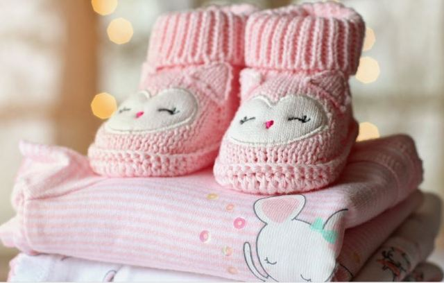 Warm clothes/pexel