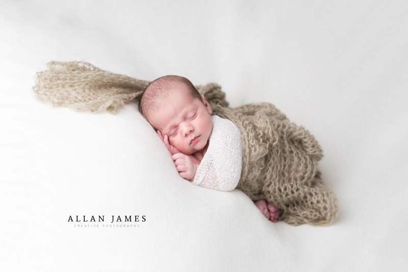 Newborn-baby-photographer-Allan-James-Cardiff-Bridgend-Swansea-Pencoed-South-Wales