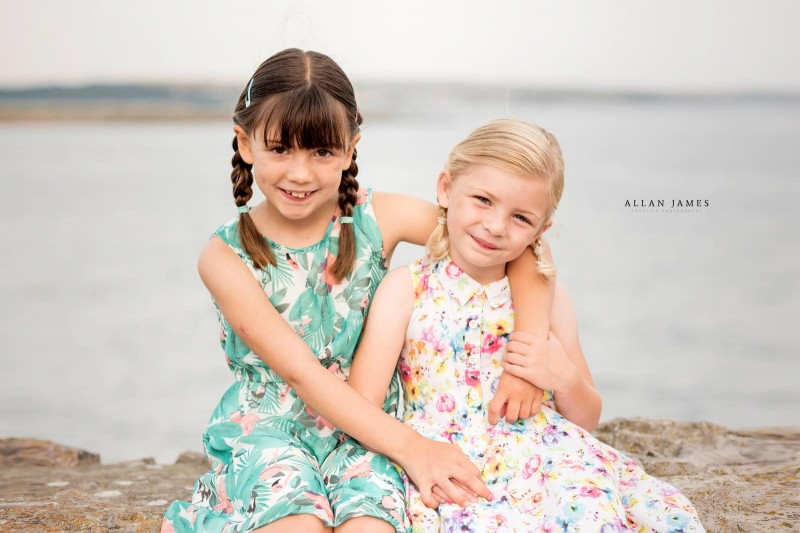 sisters-family-photographer-porthcawl
