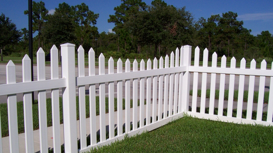 Which Side Of The Fence Should Face Your Yard