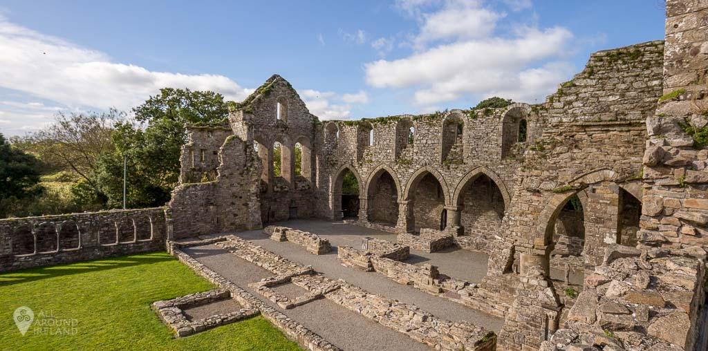 Exploring Jerpoint Abbey - 12th century cistercian abbey in Kilkenny, Ireland