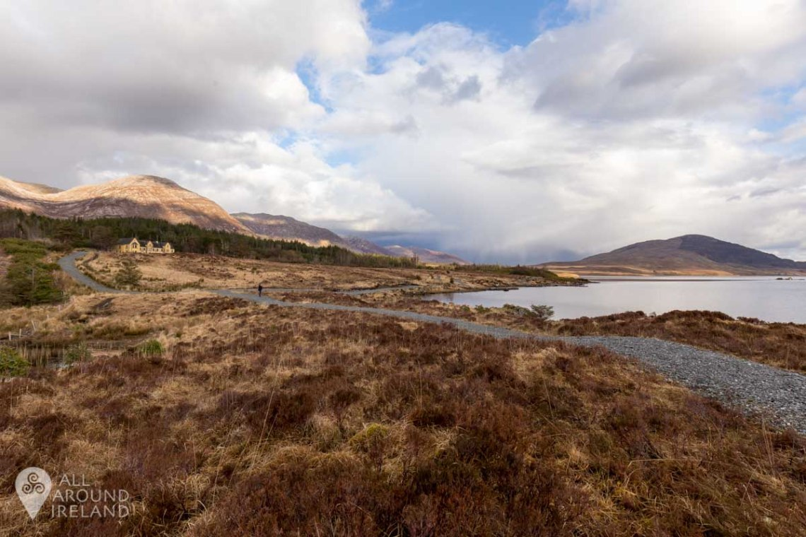 Wide angle shot of Lough Inagh Lodge and surrounds.