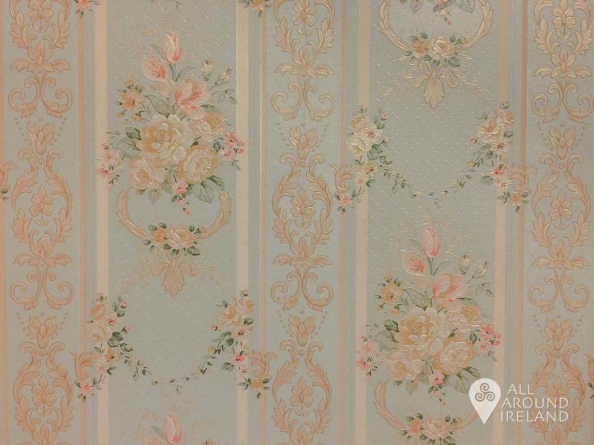 The floral vintage wallpaper