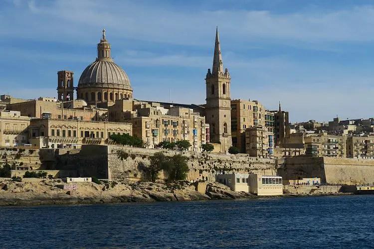 Vallettas Sykline, gesehen vom Meer aus.