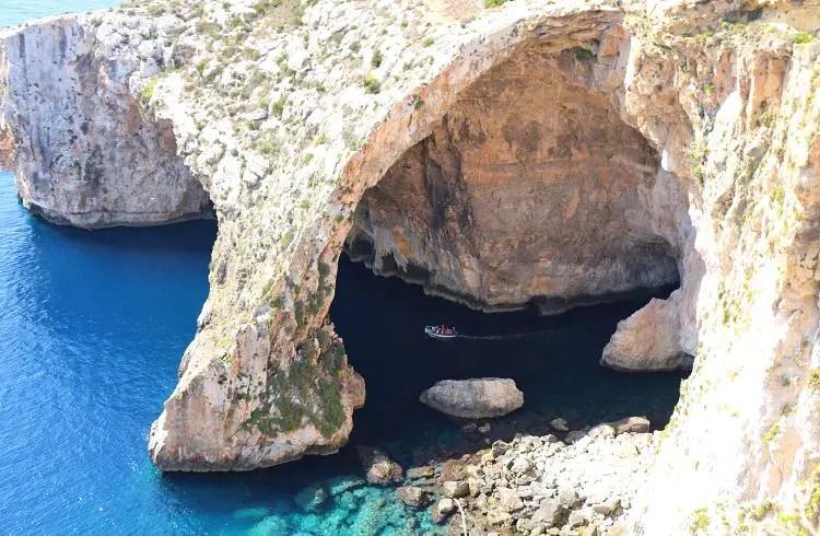 Boot in der Blauen Grotte