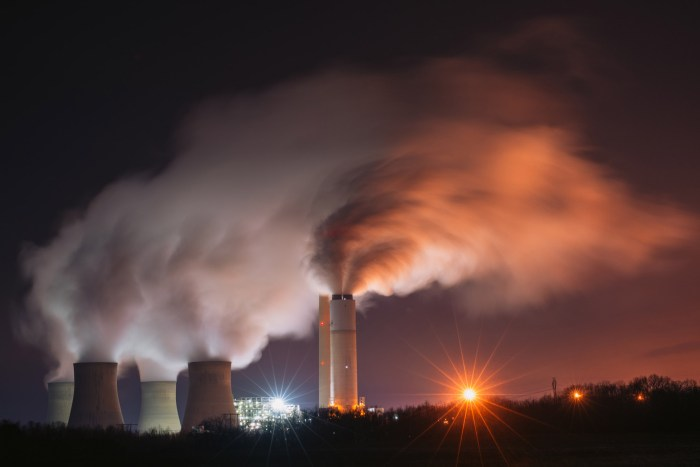 A nighttime view of the Keystone Generating Facility, a coal-fired power plant in southwestern Pennsylvania. Photo Zach Frailey / Uprooted Photographer