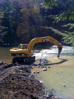 Removal of the Fairless Murray dam in Camp Allegheny in Ellwood City, Pa., in 2010. (Photo courtesy of American Rivers)