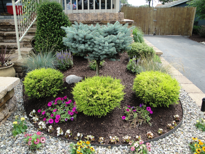 Small Front Yard Landscaping Ideas