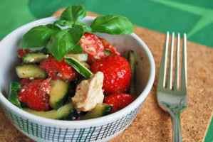 Erdbeer-Gurken-Salat