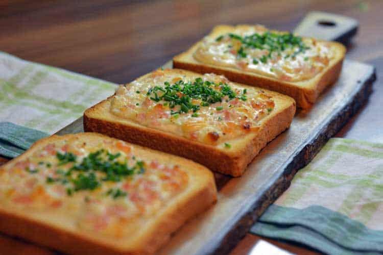 Einfacher Flammkuchen Toast ist sehr einfach nachzumachen.