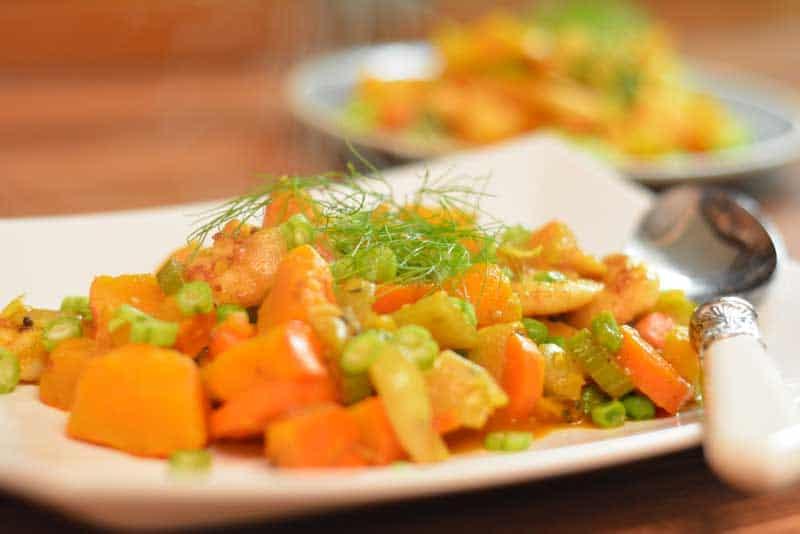 Das Garnelen-Kürbis-Curry angerichtet