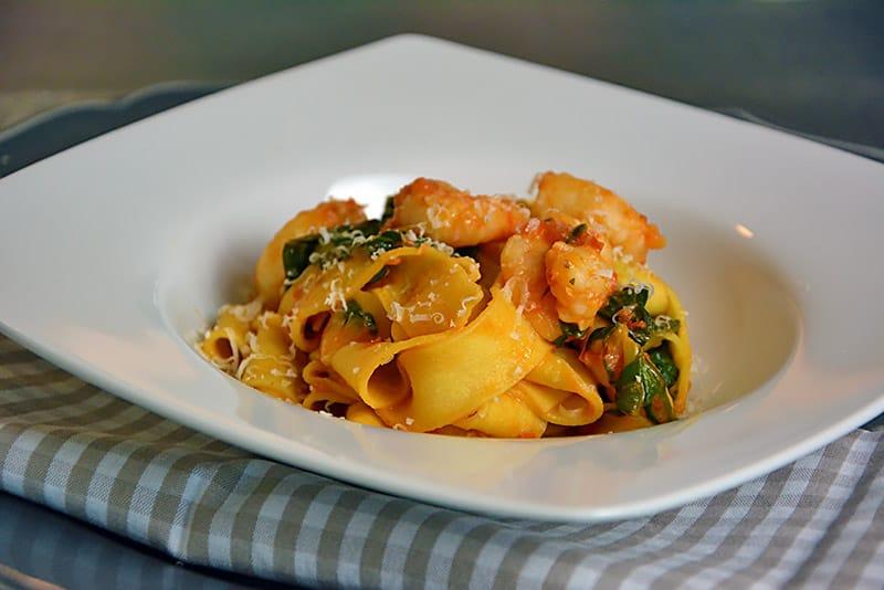 Rezept für Pasta mit Garnelen und Spinat